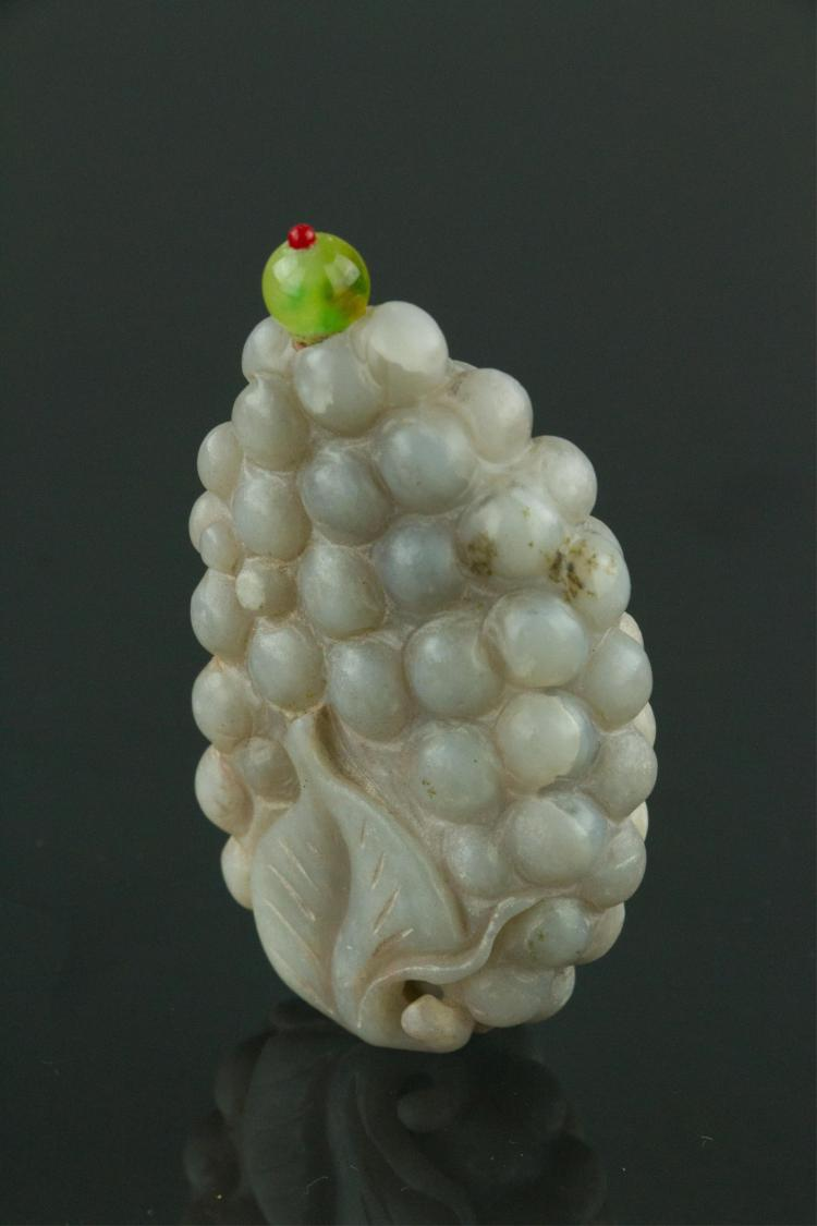 18/19th C. White Hardstone Carved Snuff Bottle