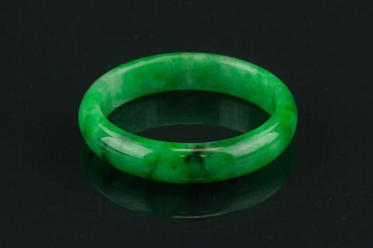 Chinese Fine Green Jadeite Bangle