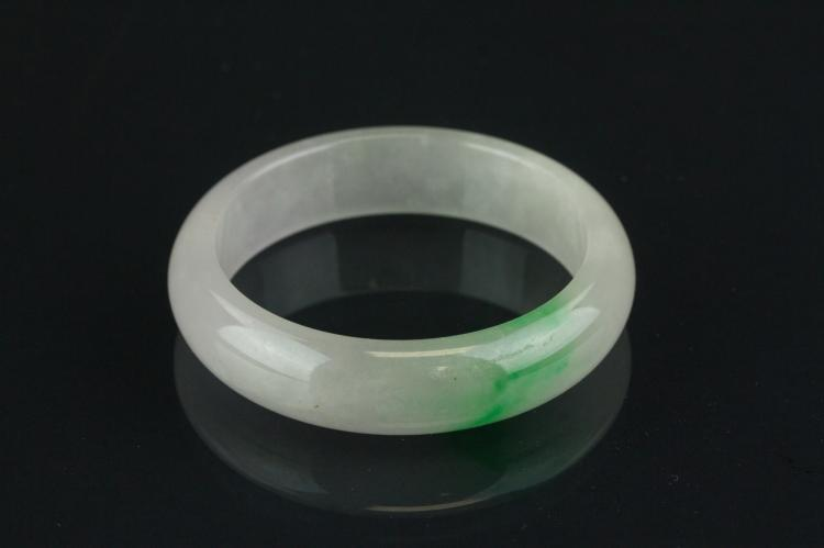 Chinese Fine Green Jadeite Bangle