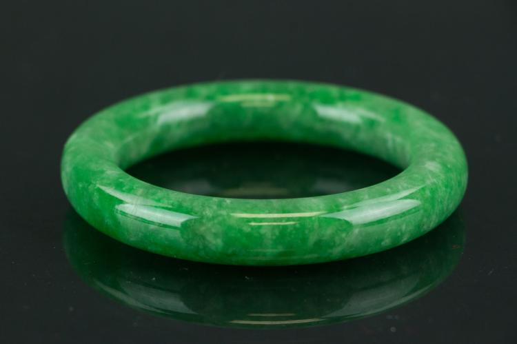 Chinese Green Jadeite Bangle with Certificate