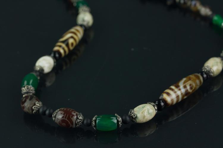 Tibetan Tianzhu Bead and Agate Necklace