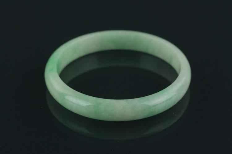 Chinese Fine Natural Green Jade Bangle