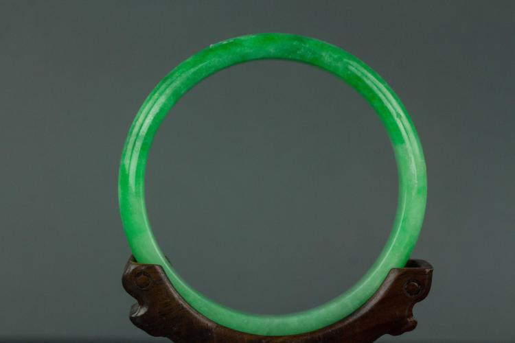 Chinese fine green jadeite bangle for Furniture 888 formerly green apple
