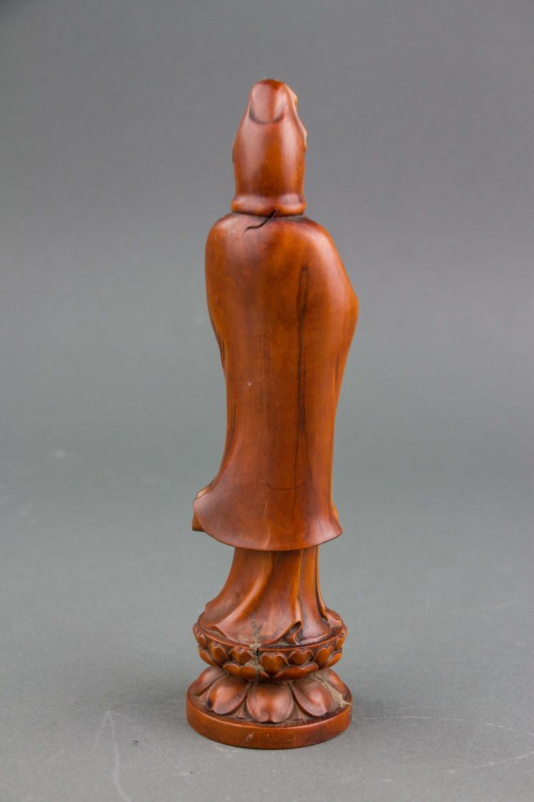 Chinese fine boxwood carved guanyin statue