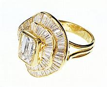 18 KT GOLD & 2.17CT DIAMOND RING