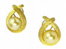 PAIR HENRY DUNAY GOLD AND CULTURED PEARL EARRINGS