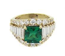 VERY FINE 18 KARAT GOLD, EMERALD AND  DIAMOND RING