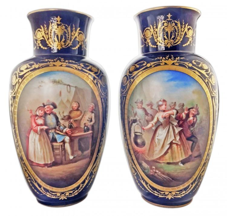 A PAIR OF SŽVRES-STYLE PORCELAIN BLUE-GROUND VASES