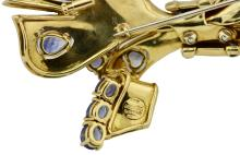 Lot 36: 18 Karat Two-Color Gold and Sapphire Brooch, Sabbadini