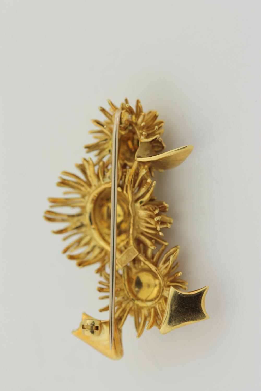 Lot 33: 18kt Yellow Gold Brooch