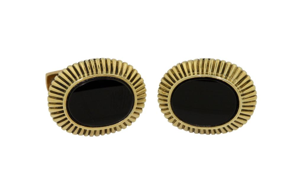 Pair of 18kt Gold and Onyx cufflinks, Emis