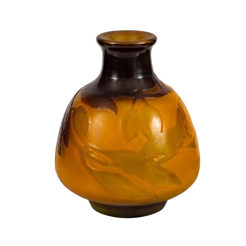 Eƒmile GalleŽ (1846-1904) Small & Fine Galle Cameo Vase