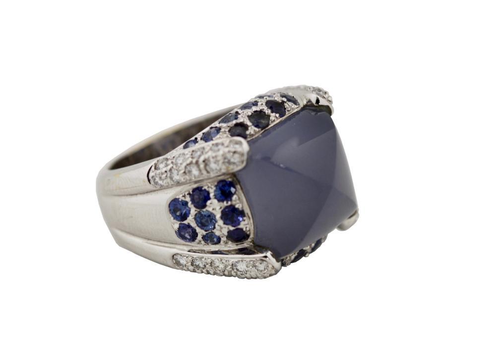 Lot 35: Sapphire, Chalcedony and Diamond Ring