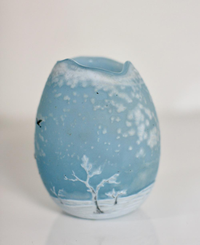Lot 5: Fine Daum Nancy Cameo Glass Vase