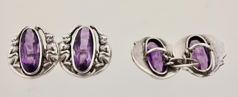 Lot 34: Pair of cufflinks