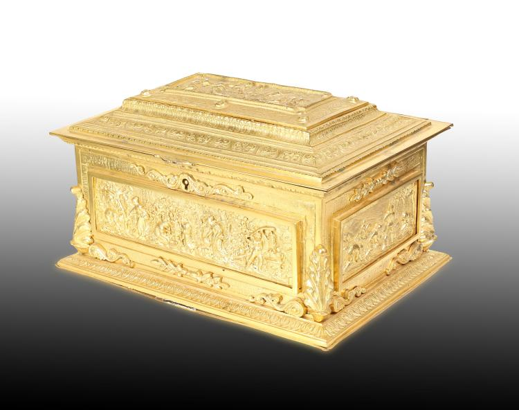 A FINE FRENCH GILT BRONZE CHEST , 19TH CENTURY