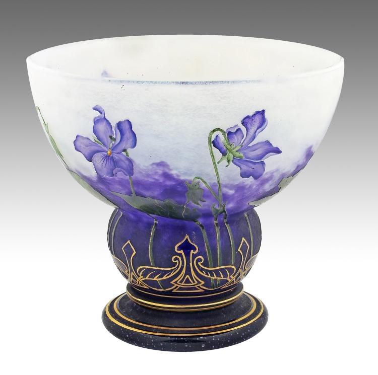 DAUM NANCY CAMEO GLASS VASE, CIRCA 1910