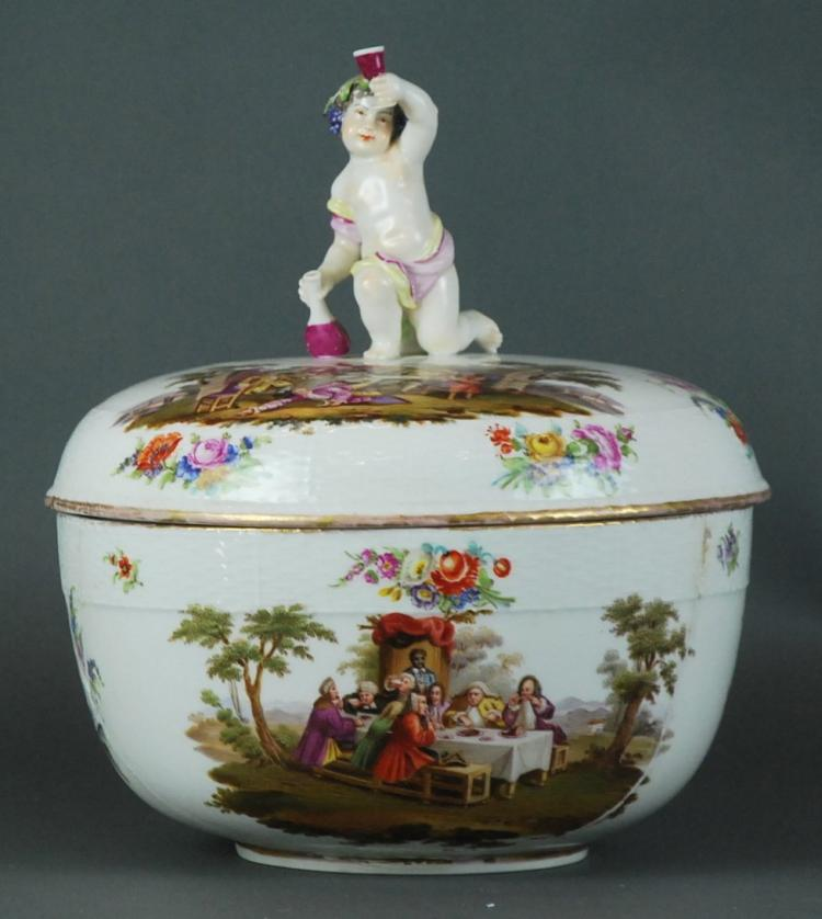 A BERLIN PORCELAIN PUNCH BOWL AND COVER