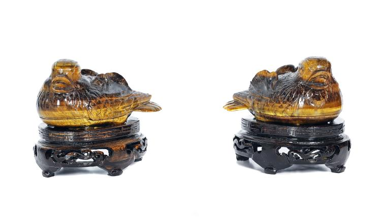 A PAIR OF CARVED TIGER EYE 'QUAIL' BOX AND COVERS