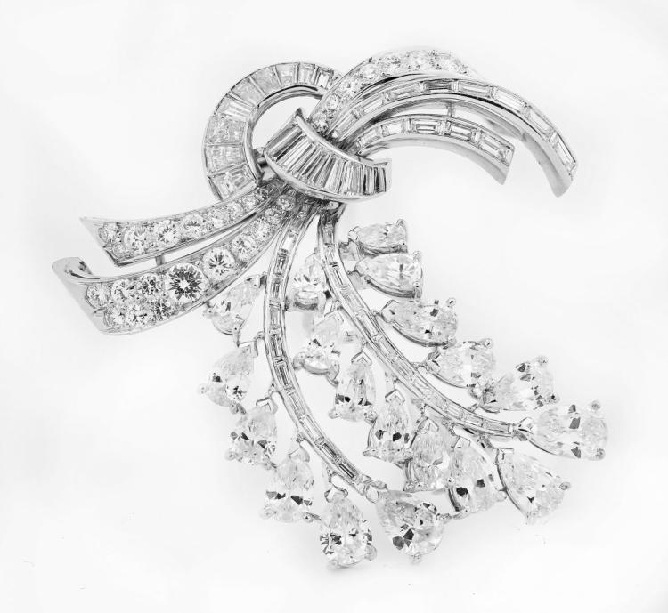 VERY FINE DIAMOND BROOCH