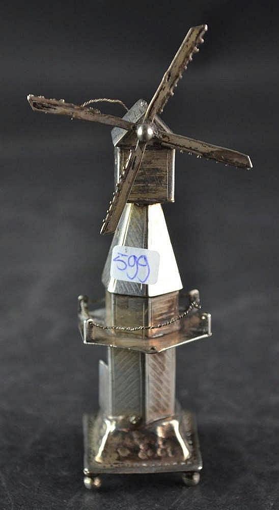 Zilveren miniatuur molen