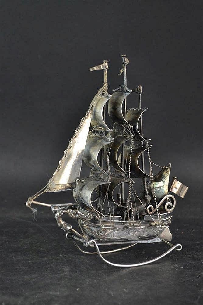 Zilveren schommelschip