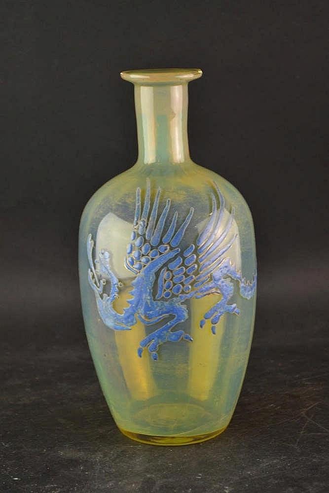 Vaas met drakendecor