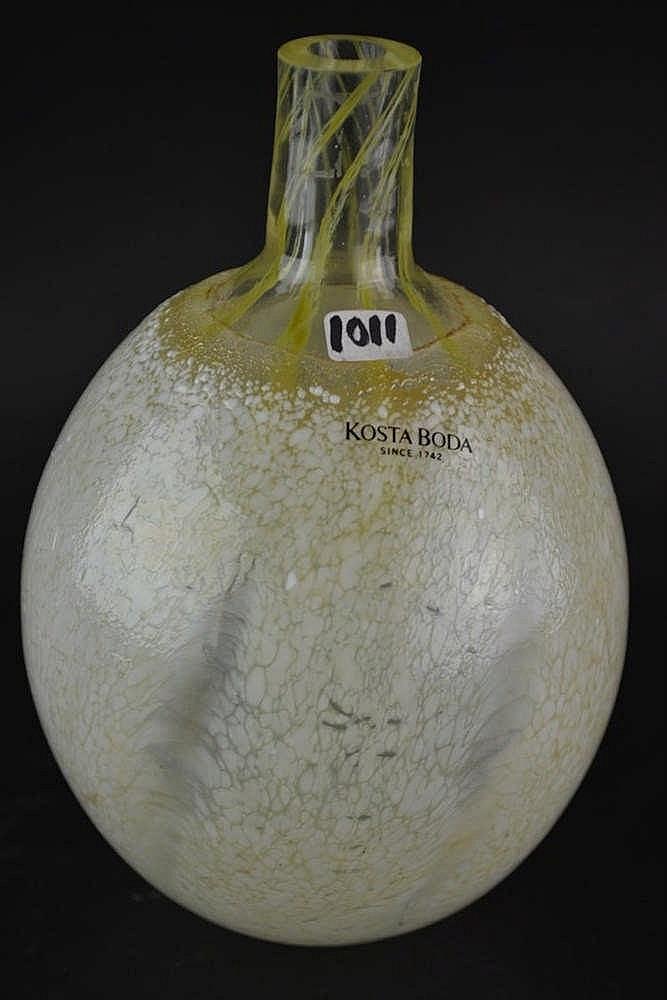 Kosta boda Egg Vase