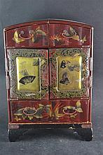 (Asian antique) Lacquer cabinet