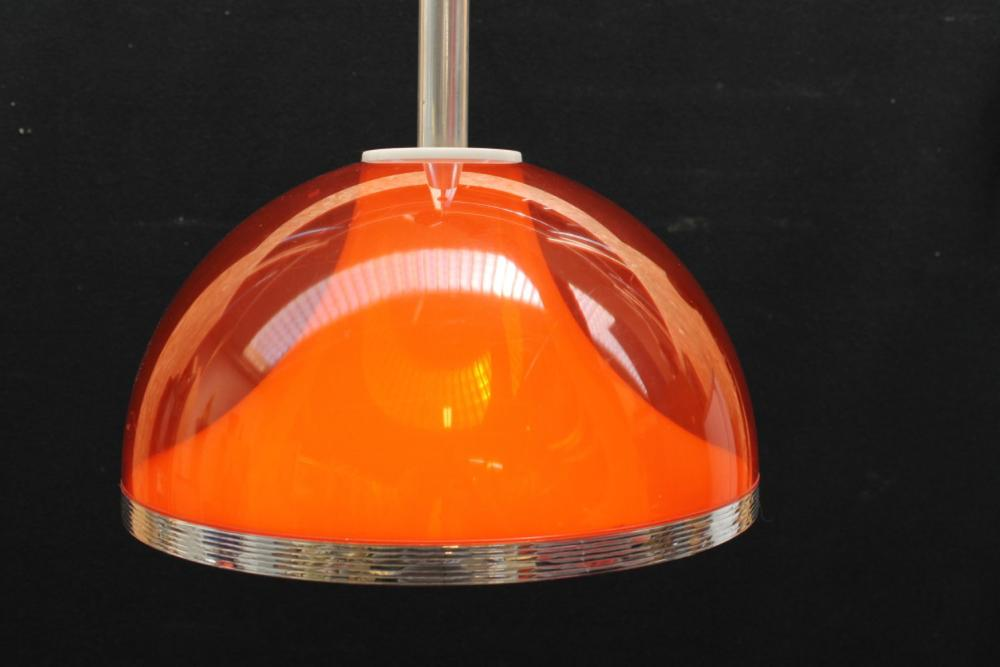 (Design) Space age hanging lamp