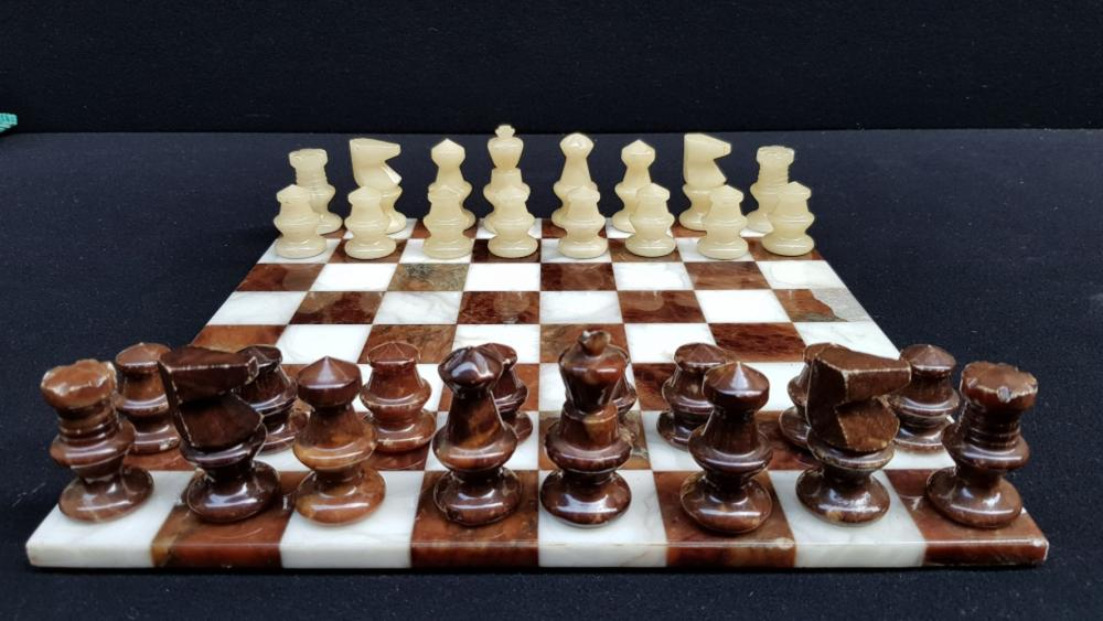 (Curiosities)  Chess with chess pieces