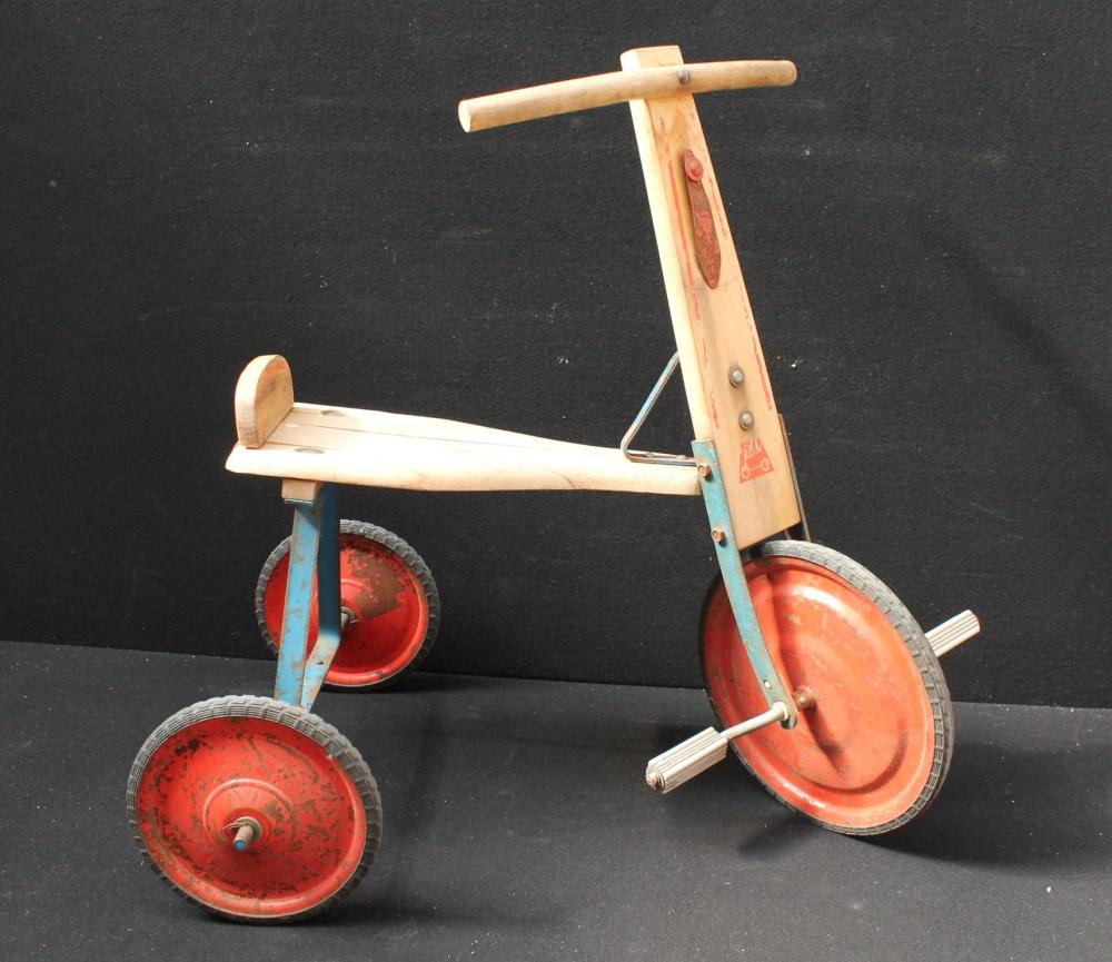 (Toys) Wooden children tricycle