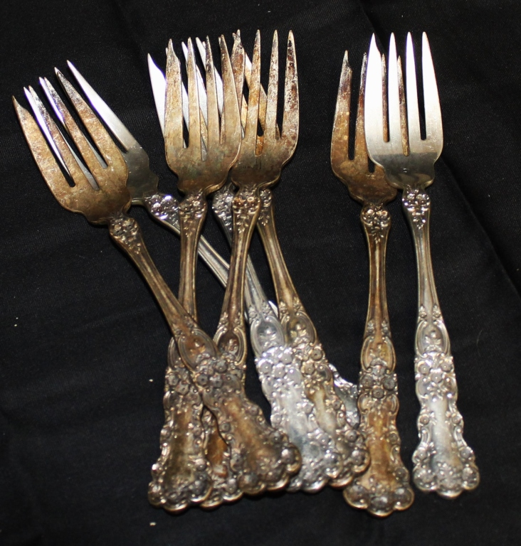 10.3 oz. Sterling Silver Buttercup Pattern Forks