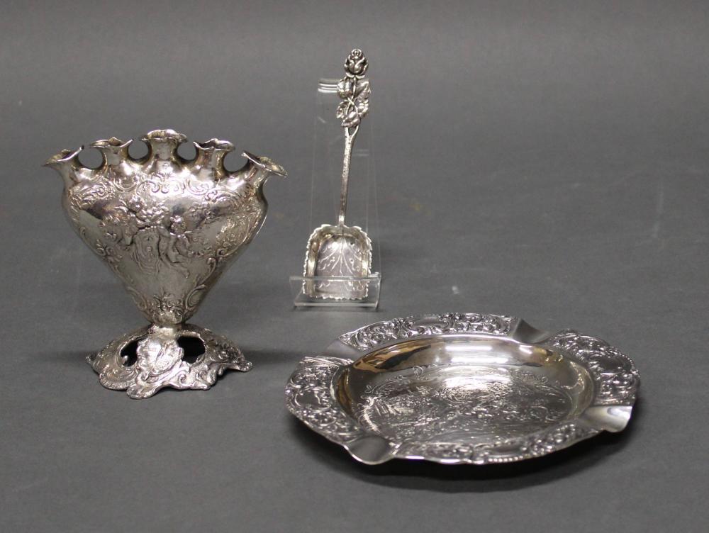 """Herzvase """"Amoretten"""", Aschenbecher """"Hirschjagd"""", Zuckerlöffel """"Rose"""", Silber 800, verschieden, 10.5-11.8 cm hoch, ø 14.4 cm, zus. ca. 305 g"""