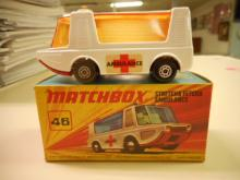 RARE Matchbox 46d Stretcha Fetcha Ambulance toy white with red cross label and amber windows  original box