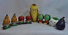 ANTHROPOMORPHIC SALT & PEPPER SHAKER 4 SETS 1 SGL XK