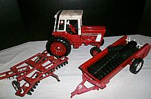 VINTAGE ERTL INTERNATIONAL 1596 TRACTOR ACCESSORIES XC