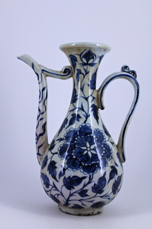 Blue&White Floral Teapot Ming Period