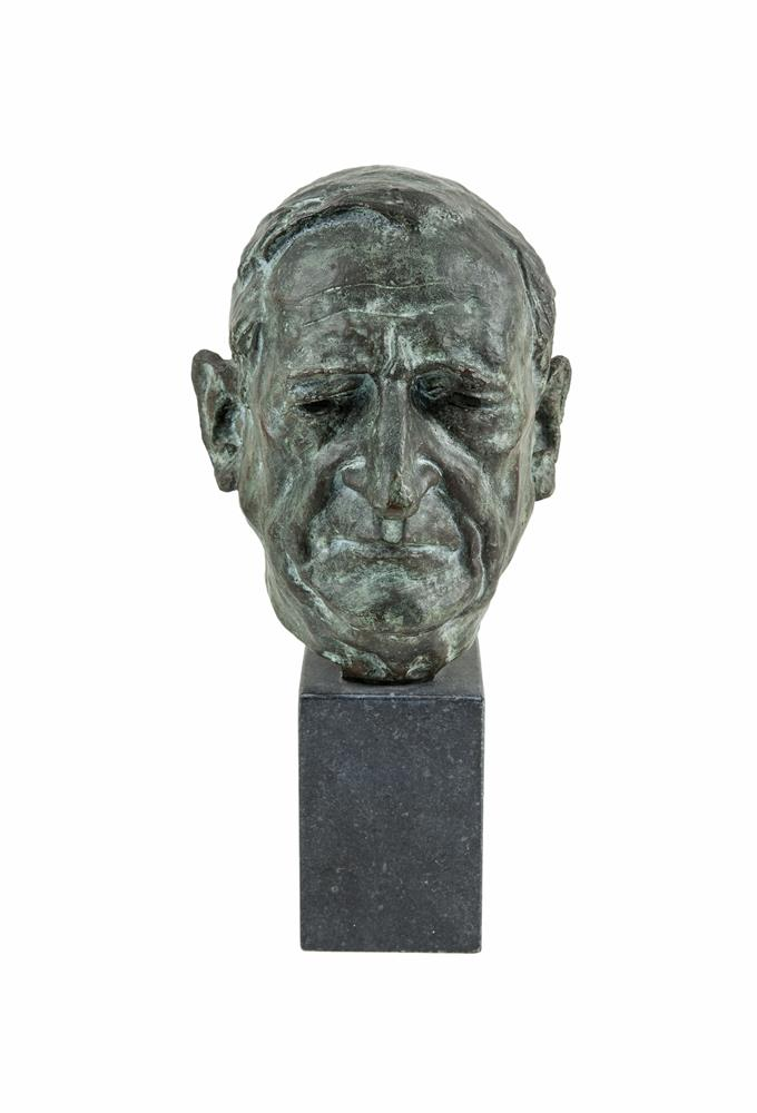 GARY TRIMBLE ARHA (1928-1979)Eamon de ValeraBronze, 27cm high, on rectangular marble base, 15cm highSigned