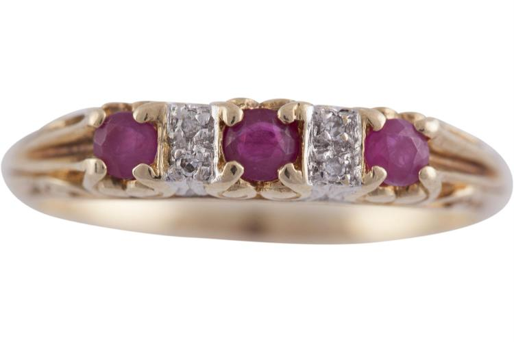 A RUBY AND DIAMOND RING mounted in 9 carat gold, ring size Q