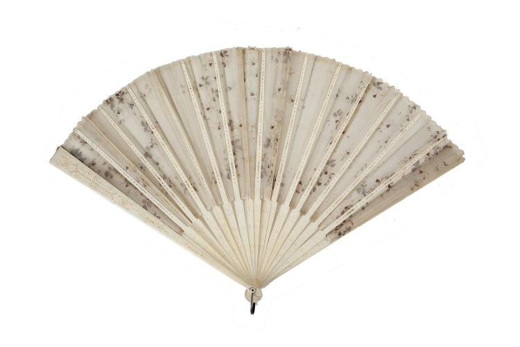 A 19TH CENTURY IVORY CARVED LADY'S FAN. 35cmPLEASE NOTE: THIS ITEM CONTAINS OR IS MADE OF IVORYBidders should be advised that importation regulations of several countries, including the US, prohibits the importation of ivory, or any goods containi