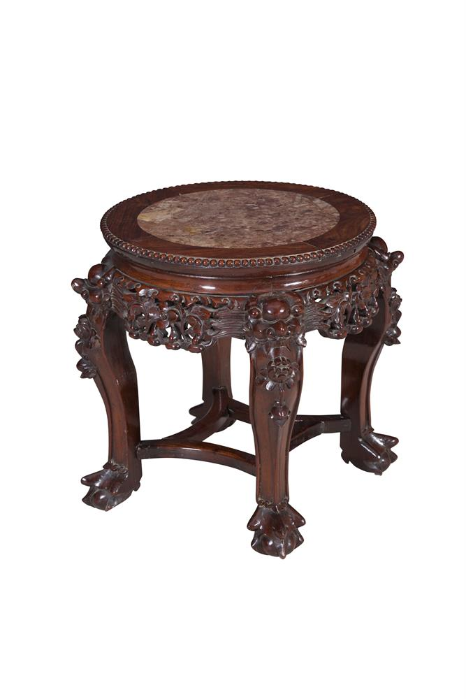 A CHINESE PADOUK WOOD LOW JARDINIERE STAND, with inset marble top. 43cm diameter x 46cm high