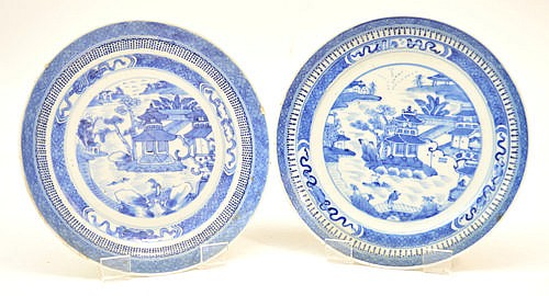 A pair of 18th century Chinese porcelain circular