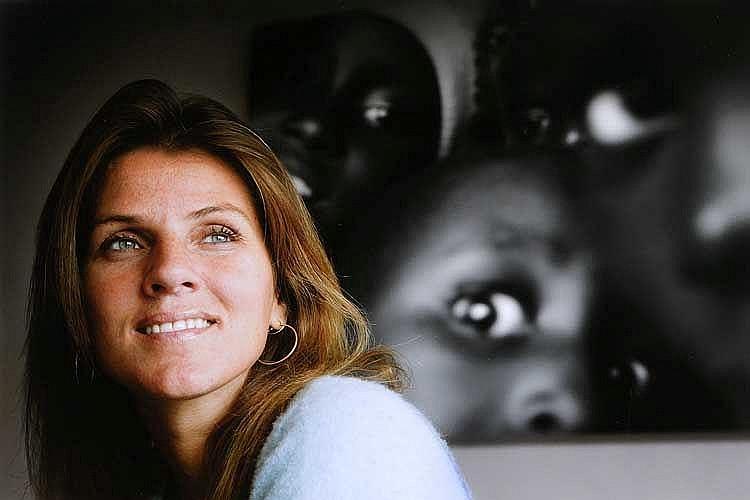 Monique Velzeboer