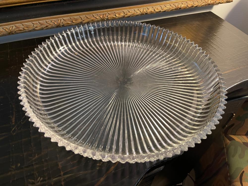 UNMARKED GLASS TRAY PRESSED