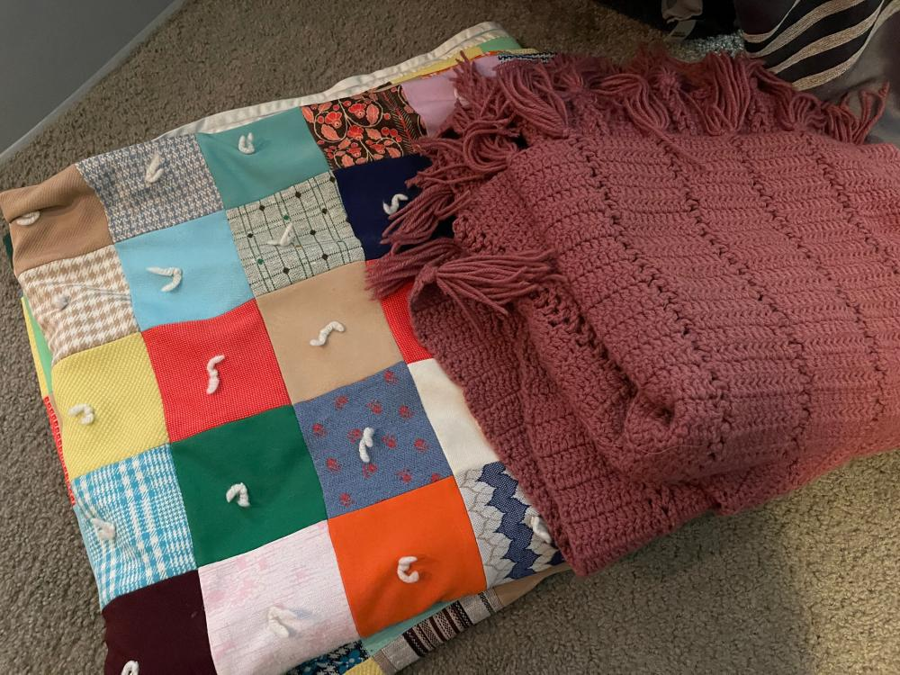 LARGE HAND KNITTED BLANKET AND LARGE VINTAGE QUILT