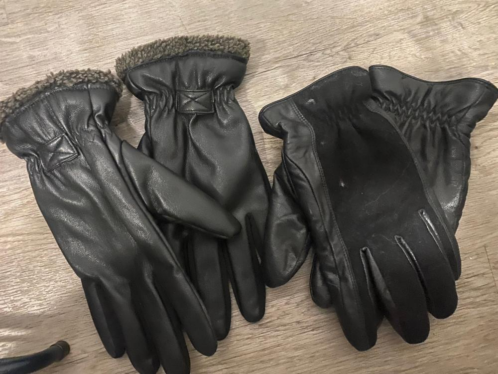 2 PAIRS OF MENS LEATHER GLOVES