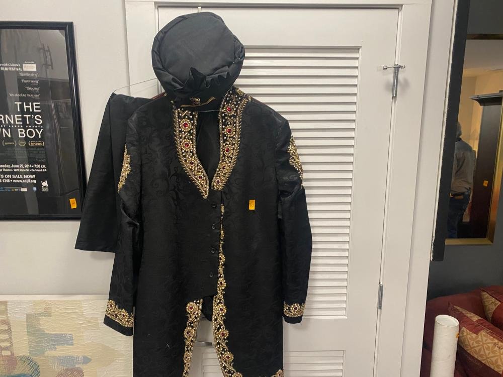 BLACK TRADITIONAL INDIAN OUTFIT MENS LARGE