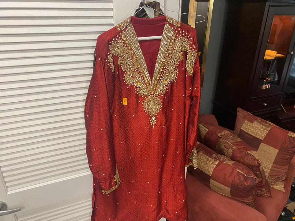 RED TRADITIONAL INDIAN OUTFIT SIZE MENS LARGE