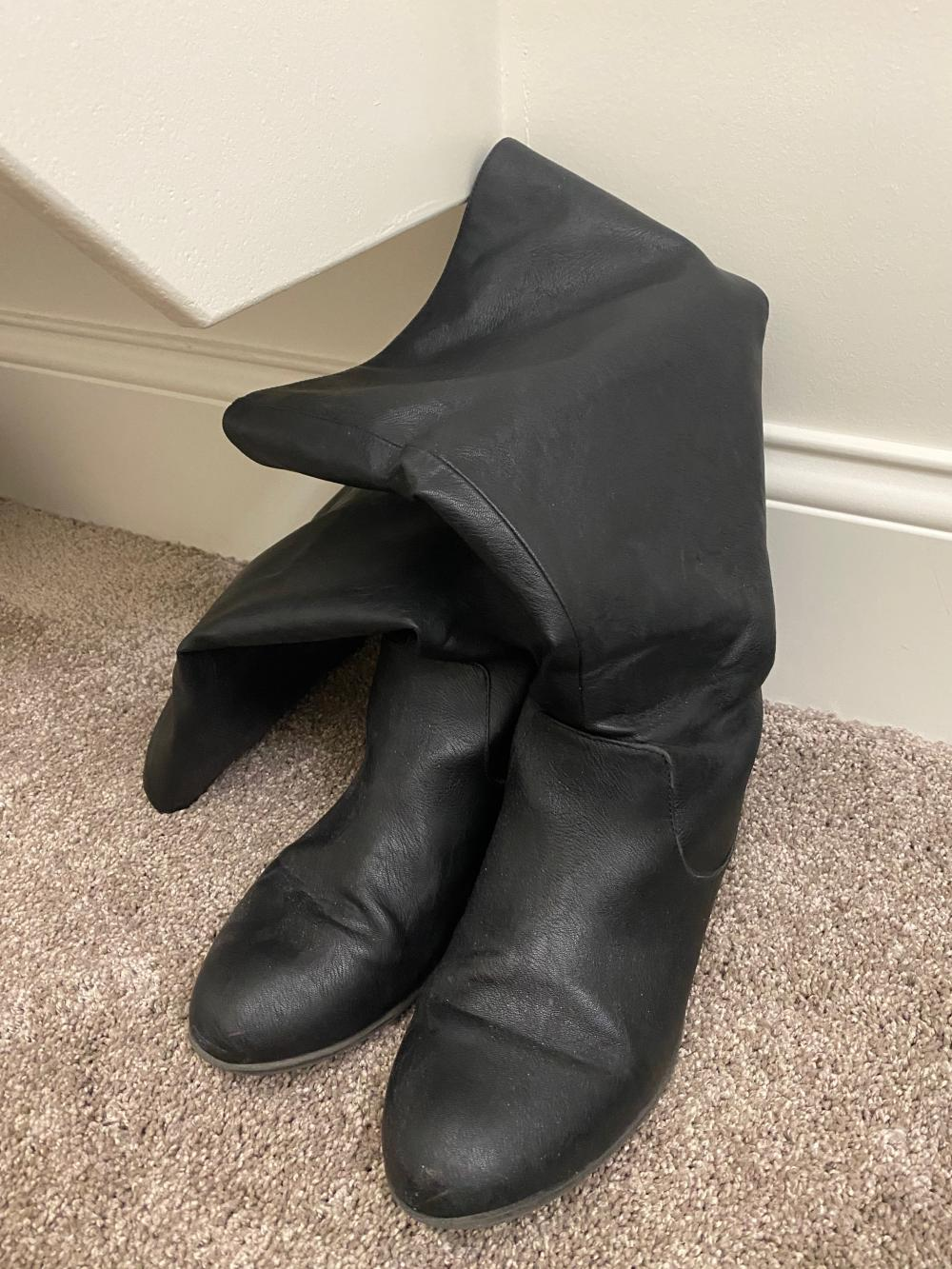 AMERICAN EAGLE SIZE 11 WOMENS BOOTS